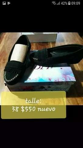 Chatitas y zapatillas de mujer y nena