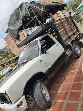 se vende camioneta luv 1987
