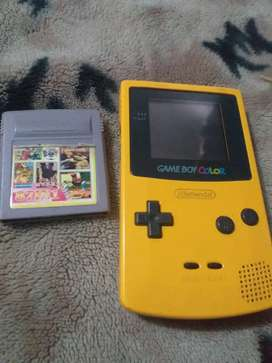 Gameboy color perfecto estado con su tapa