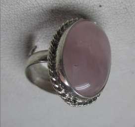 anillo de plata, graduable con piedra natural cuarzo rosa