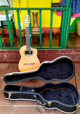 Guitarra Chiliquinga. Modelo 2016.