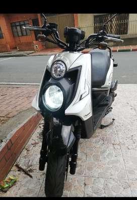 Se vende moto yamaha BWS x motard