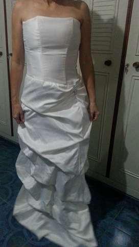 Venta de Vestido Drapeado Blanco Americano Talla L