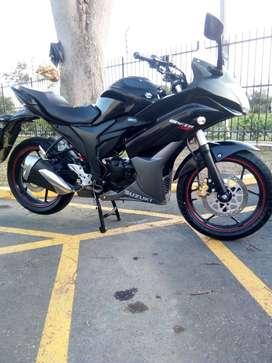 Espectacular moto Suzuki Gixxer Sf como nueva