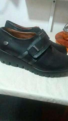Zapatos cavatini nuevos 36