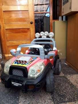 Remato carro jeep a batería para niño
