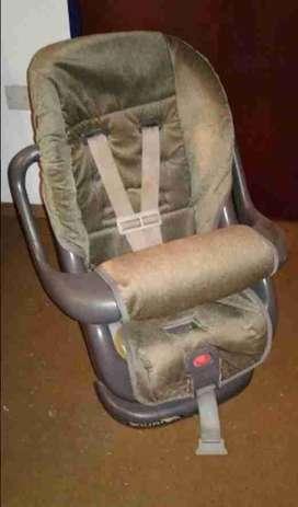silla para bebé para auto usada marca COSCO