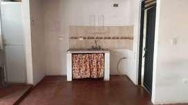 Arriendo cómodo Aparta-Estudio, cocina y baño enchapados, recién remodelado, todos los servicios, barrio con cámaras.