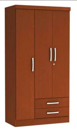 Hermoso closet poco uso comprado en homecenter