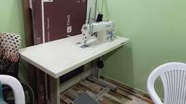 Maquina de coser marca jaki