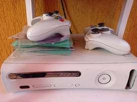 $ 420.000Vendo consola Xbox 360 jasper en buen estado sirve para jugar online
