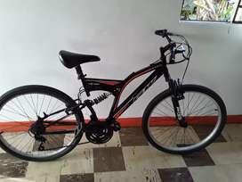 Bicicleta como nueva solo mes y medio  en buen estado