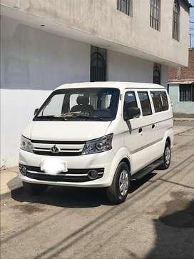 Alquiler de Minivan 11 pasajeros