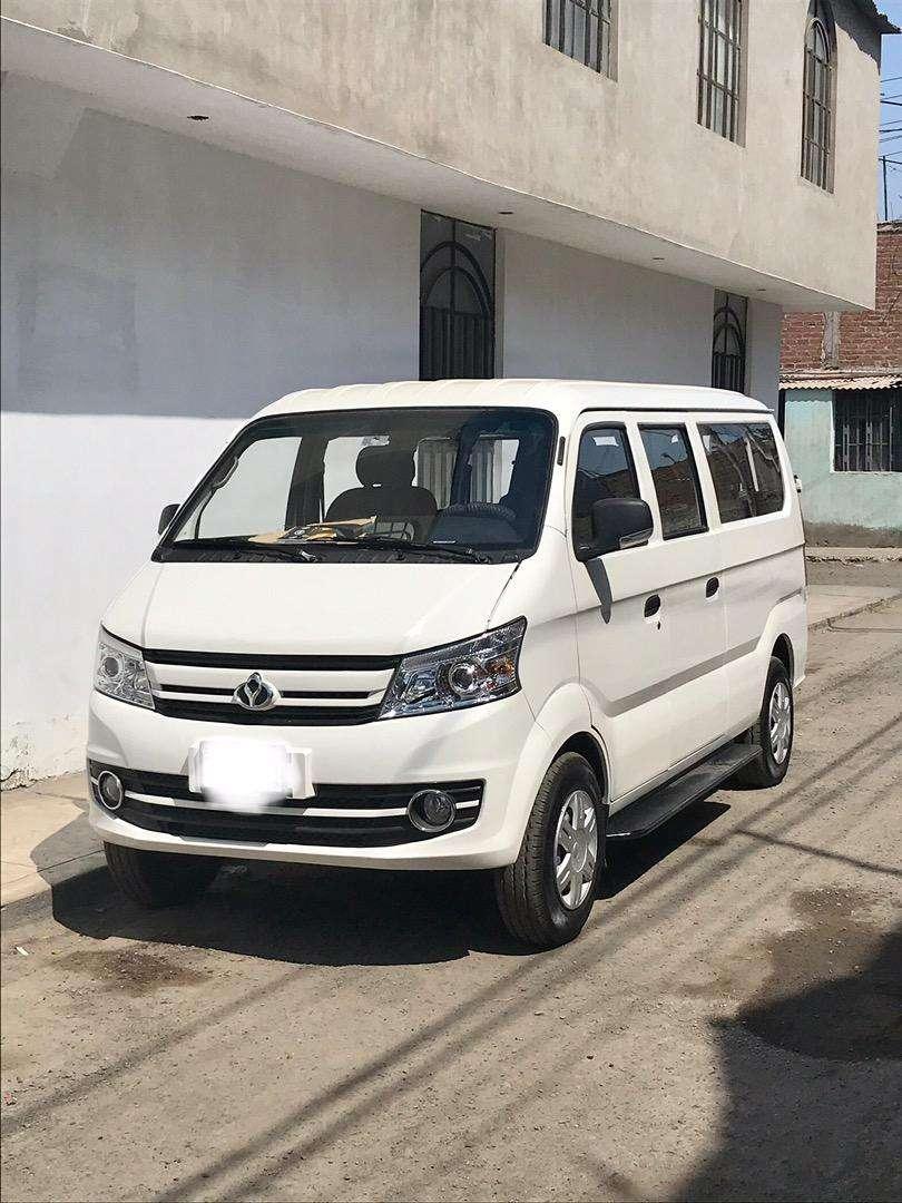 Alquiler de Minivan 11 pasajeros 0