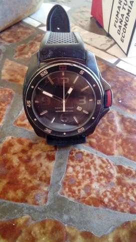 Reloj Tomy a reparar...