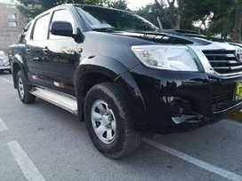 Toyota Hilux SR 2015