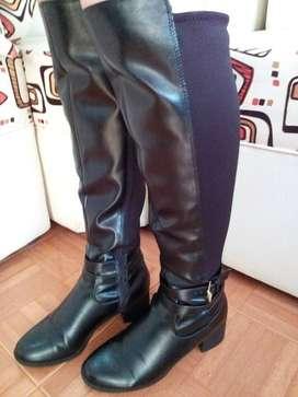 Vendo botas negras largas