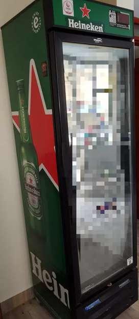 Se alquila nevera enfriadora Heineken