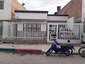 Se vende hermosa casa con aparta estudio  gaira calle 7 # 8 29