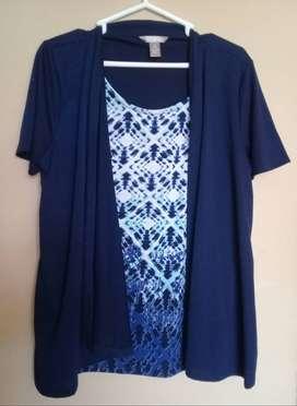 Saco azul con blusa incorporada