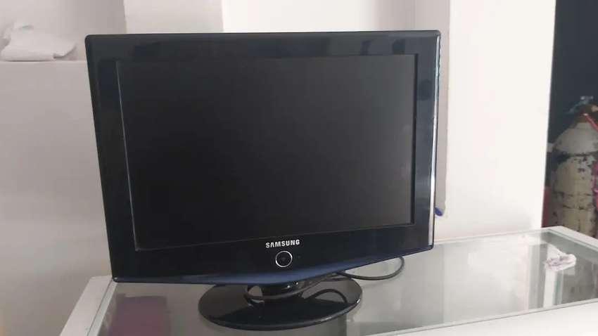 Vendo Televisor y/o Monitor Marca Samsung de 14 Pulgadas 0