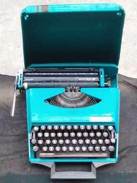 Maquina de escribir Smith Corona.