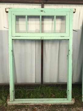 Puerta Ventana de cedro de 190x125