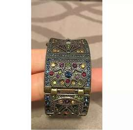 Hermoso reloj pulsera americano de mujer marca HEIDI DAUS