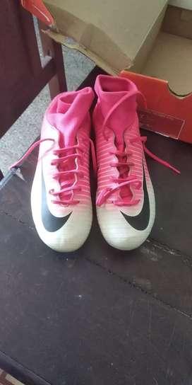 Vendo botines de fútbol 5