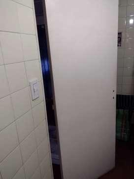 Puerta placa madera interior blanca, divisoria 198x72 cm edificios Fonavi Copello