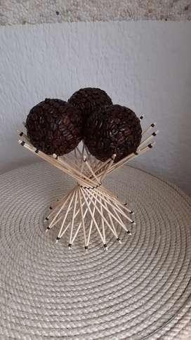 Esferas decorativas artesanales en grano de café