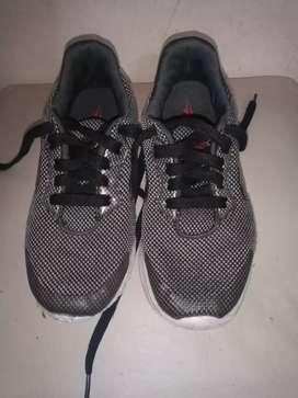Zapatillas de niños talle 31