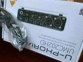 Interfaz de audio Behringer U-Phoria UMC202HD