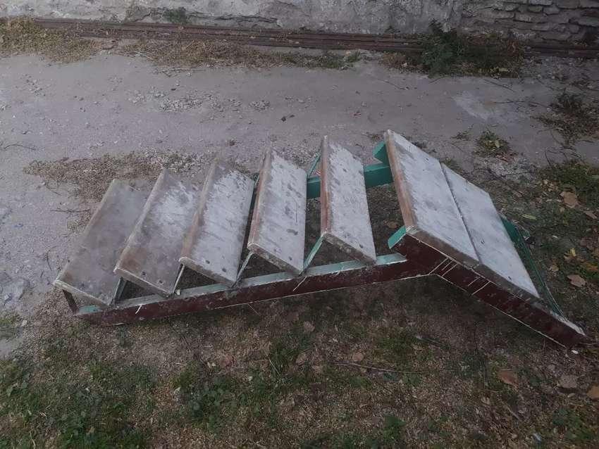 Escalera de metal 0