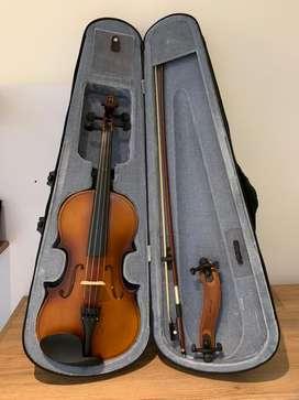 Violin Greko 4/4 con estuche, arco y almohadilla