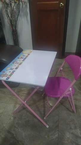 Vendo escritorio infantil marca prodehogar