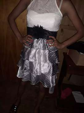 Vendo  vestido de recepción impecable