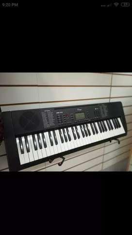 Vendo teclado excelente estado escucho ofertas razonables