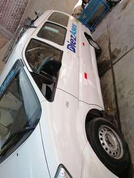 Se vende o se alquila minivans de 10 pasajeros.