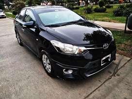 Toyota YARIS FULL  TRD MUY EQUIPADO