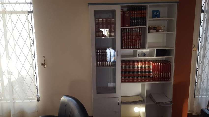mueble para libros colineal