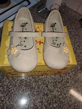 Zapato para niñas marca Simonetta talle 25
