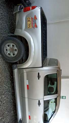 Toyota hilux sr 4 x 4  2012
