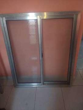 ventana de alunio,cocina, baño completo, mesada de ace, inox,tamque de agua