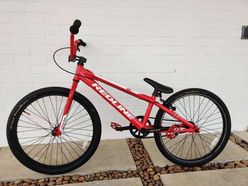VENDO BICICLETA BMX RED LINE ROJA
