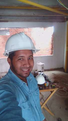 tecnico electricista  y maestro de todo lo relacionado a la costruccion.