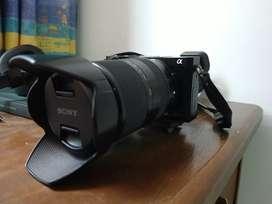 Sony a6000 con lente 18-200 OSS