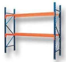 Rack inicial de 3,5 de alto x 1 metros de profundidad y 2 estantes que pueden cargar 2000 kilos cada uno. Hasta 6 palets