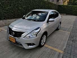 Nissan Versa Full Equipo