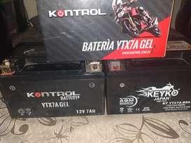 vendo  2 baterías  para moto usadas
